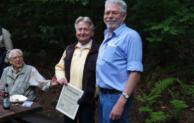 Marienheide: Manfred Berkey für 40 Jahre Arbeit und Treue zum Angelverein geehrt
