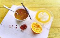 Selbstgemachte Marinade verleiht Fleisch, Fisch oder Gemüse das besondere Aroma