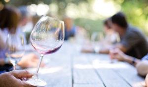 Schützenverein Lindlar e. V. läd wieder zum Weinfest in den Rosengarten