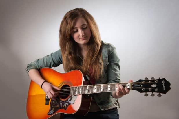 Die Singer-/Songwriterin Lorena Manz tritt im Museum Haus Dahl auf. (Foto: Lorena Manz)