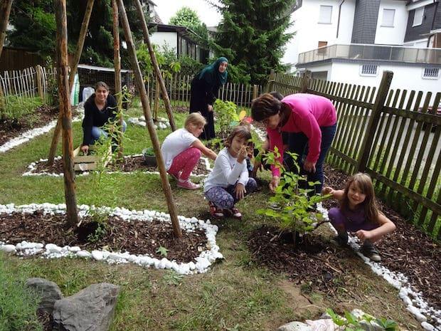 Photo of Bergneustadt: Kinder gestalten den Bauerngarten am KulturBauwagen