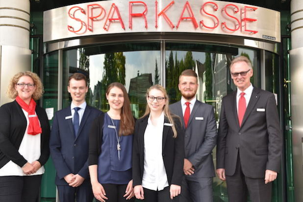 Foto: Wolfgang Abegg; erster Tag der neuen Auszubildenden am 1. August 2016: Moira Irle, Vanessa Hein, Robin Mettner, Thomas Winkler.