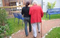 Zeit schenken als ehrenamtliche/r Demenzhelfer/in – Caritas bietet Lehrgang an