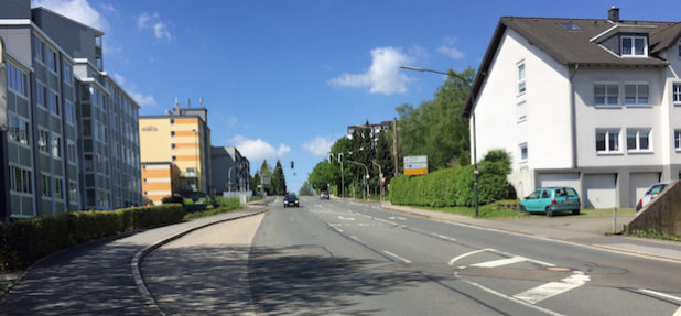 Der Kreuzungsbereich in Fahrtrichtung Gewerbegebiet Wiehagen-West. (Foto: OBK)