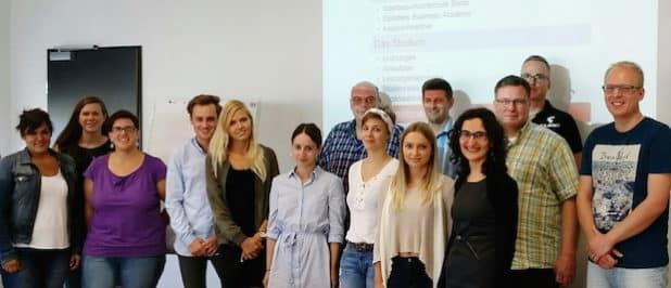 Die 15 Studierenden absolvieren das berufsbegleitende Projekt- Kompetenz-Studiengang Bachelor of Arts Social Management. (Foto: AGewiS)