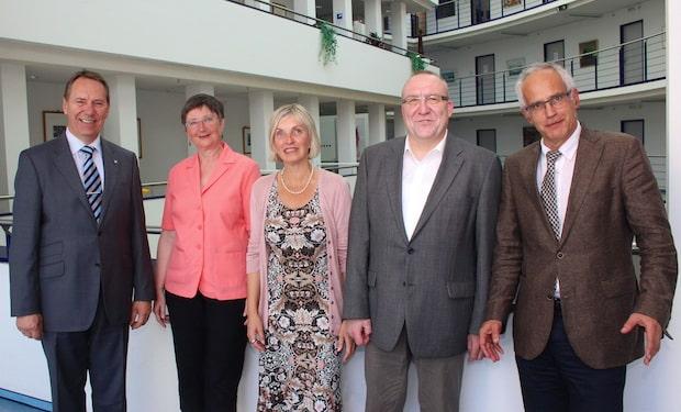 Photo of Gummersbach: Zwei neue Schulleitungen an Oberbergs Berufskollegs