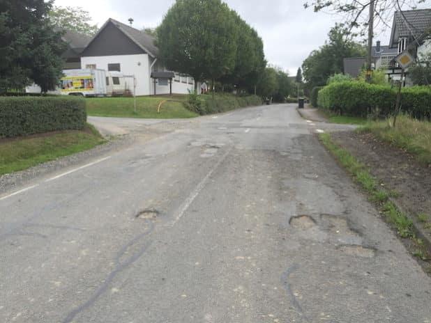 Die Kreisstraße 17 zwischen Gaderoth und Oberbreidenbach. (Foto: OBK)