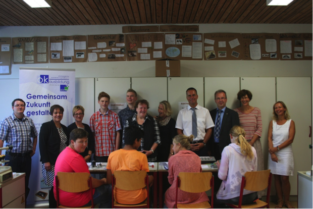 Bild von Reichshof: Schülerinnen und Schüler entdecken den Berufswahlparcours