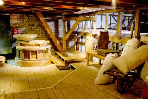 Die historische Mühle und die Museumsbäckerei auf Schloss Homburg öffnen das letzte Mal für diese Saison die Türen. (Foto: OBK)