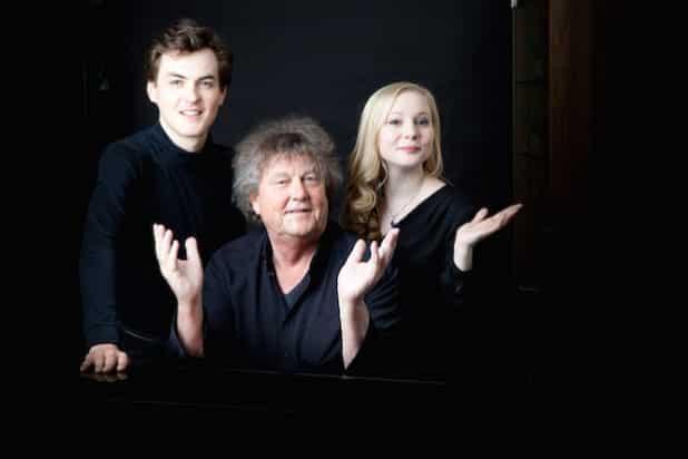 Edward Leach (v.l.), Lutz Görner und Nadia Singer gestalten den Konzertabend auf Schloss Homburg. (Foto: Fotofelix)