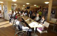 Bergneustadt: Lesestunde im Pflege- und Betreuungszentrum