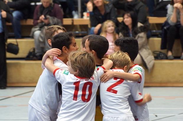 Photo of Nachwuchs-Mannschaften erleben spannendes Neujahrs-Hallenturnier