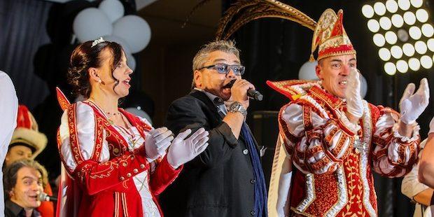Kölner Prinzengarde setzte toller Denklinger Proklamation das Sahnehäubchen auf