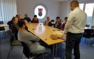Hückeswagen: Neuer Defibrillator im Bürgerbüro