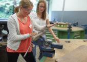 Schülerinnen und Schülern aus Oberberg erhalten Einblicke in die Berufswelt