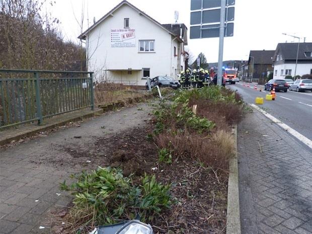 Photo of Bergneustadt: Plötzliche Ohnmacht führt zu Verkehrsunfall
