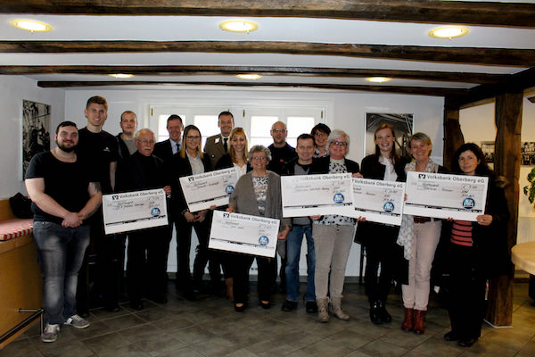 Photo of Wiehl: BPW Auszubildende spenden an oberbergische Organisationen
