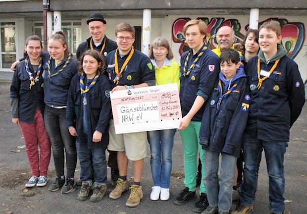 Photo of Bergneustadt: Pfadfinderinnen und Pfadfinder sammeln 800 Euro für krebskranke Kinder