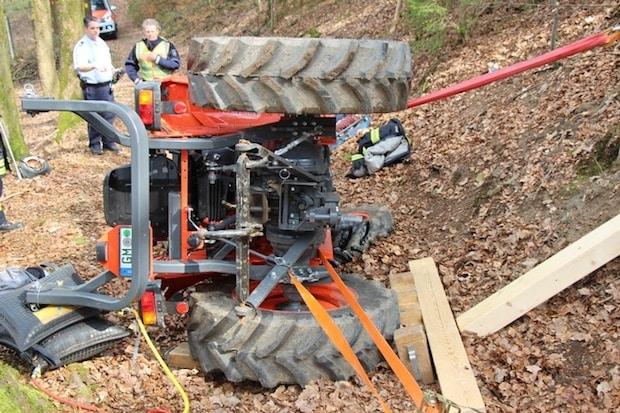 Photo of Waldbröl: 13-jähriger Junge bei Traktorunfall schwer verletzt