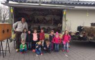 Wiehl: Rollende Waldschule in der KiTa FarbenFroh
