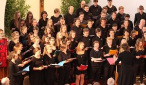 Radevormwald: Jugendchorkonzert am Pfingstmontag folgt musizierend dem narrativen Feuer des Pfingstgeschehens