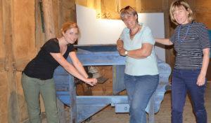 Lindlar – Als die neue Technik auf die Höfe kam