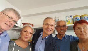 Bürgermeister half in der Lindlarer Speisekammer