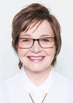 Die Kabarettistin Anka Zink ist mit ihrem Programm zu Gast in Nümbrecht