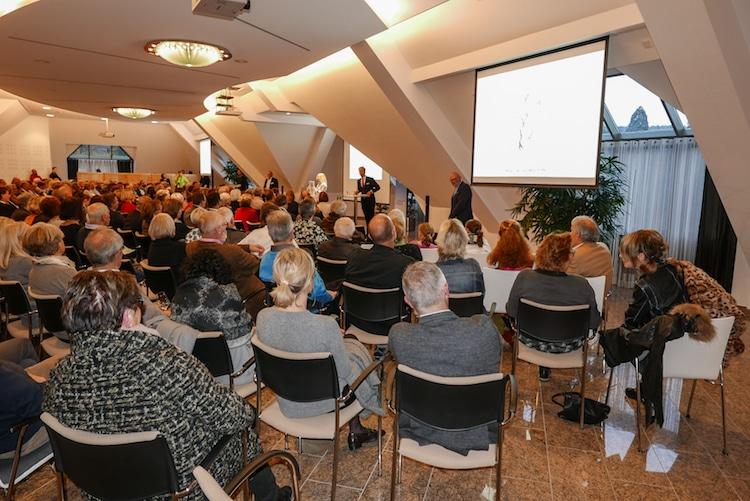 Photo of 100 Jahre Lions Club- mit Kunst zum Spendencheck