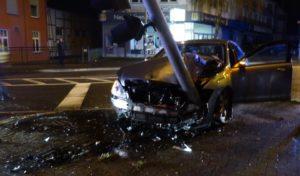 Hohe Sachschaden bei Verkehrsunfall in Niederseßmar