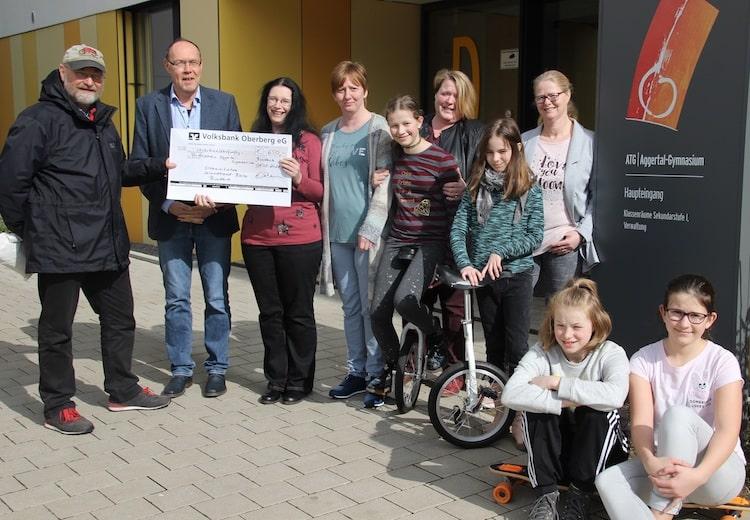 Photo of Förderverein des Aggertal-Gymnasiums erhält Spende von 650 Euro