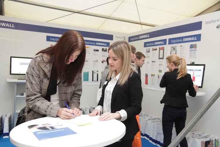 Photo of Karrieremesse auf dem Campus Gummersbach – So gelingt der Karriereeinstieg in die IT-Branche