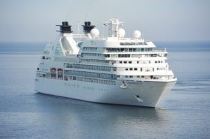 Photo of Mit dem Schiff von Hamburg aus in die Welt