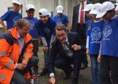 Sicher zur Schule: Verkehrsminister  eröffnet Bring- und Abholzonen für Eltern