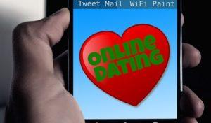 Schluss mit dem Single-Dasein: Im Alter eine aufblühende Liebe finden