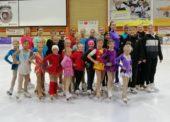 Eiskunstläuferinnen des TuS Wiehl absolvierten ihr Training in Troisdorf