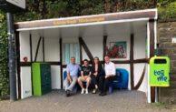 """""""Wohnzimmer-Renovierung"""": Buswartehäuschen erstrahlt in neuem Glanz"""