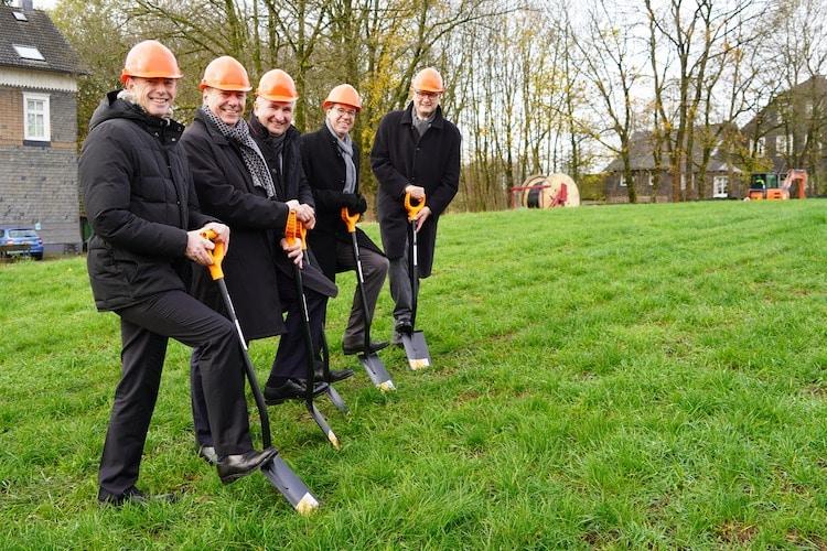 Photo of Ministerlicher Spatenstich zum Glasfaser-Ausbau in Hückeswagen