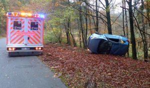 19-Jährige verliert Kontrolle über Kleinwagen in Marienheide-Dannenberg