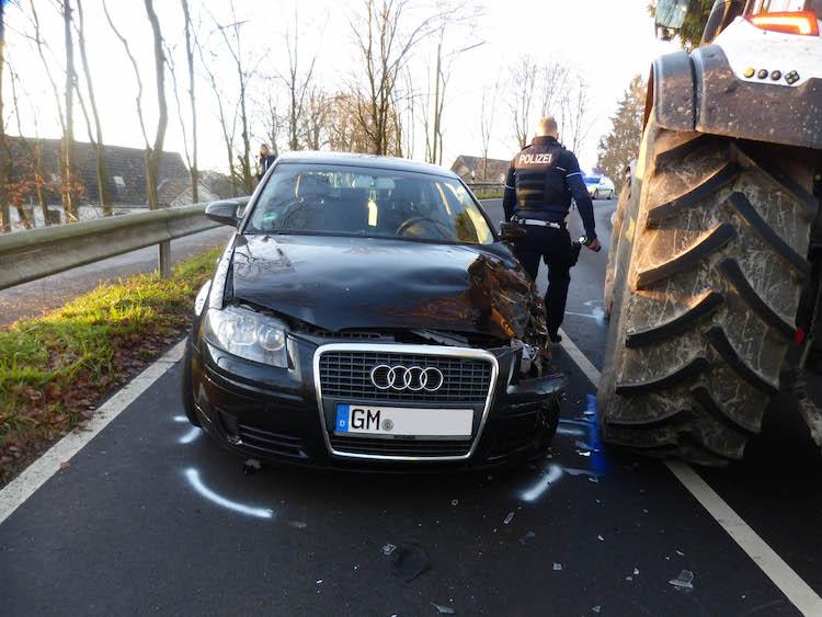 Photo of 44-Jährige bei Zusammenstoß mit Traktor schwer verletzt
