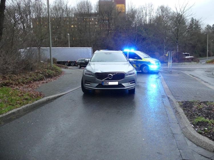 Photo of Fußgängerin an Kreisverkehr in Niederseßmar angefahren