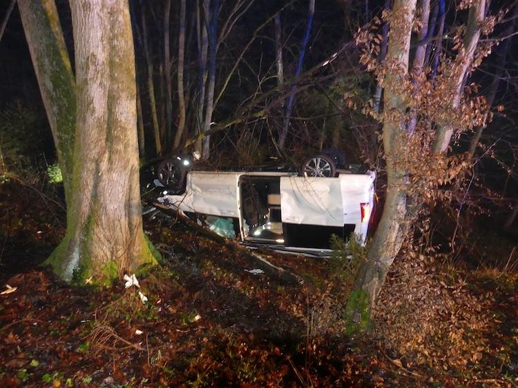 Photo of Nümbrecht – Überschlag mit PKW – Fahrer leichtverletzt