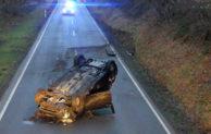 Verkehrsunfall – 20-Jährige mit Wagen überschlagen und schwer verletzt
