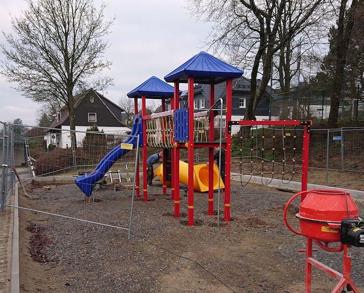 Photo of Vielseitiger Kletterspaß für die Kinder der Neye-Siedlung