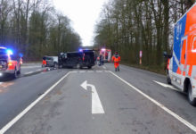 Photo of Zwei Schwerverletzte bei Frontalkollision auf der L 320