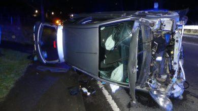 Photo of Auto prallt gegen Bruchsteinmauer auf der Oberwiehler Straße