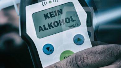 Photo of Deutlich alkoholisiert in Leitplanke gekracht