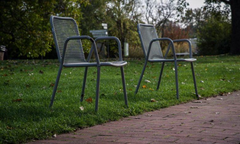 2020-05-05-Gartenstuehle