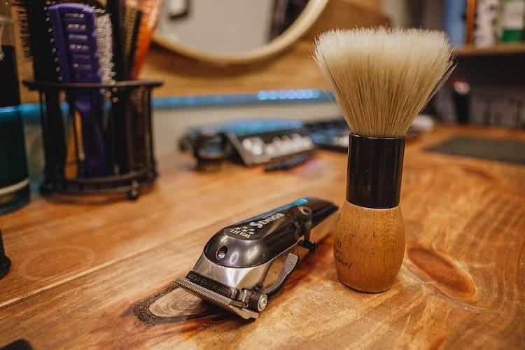 Männer die Bart tragen investieren oftmals viel Zeit in die Bartpflege
