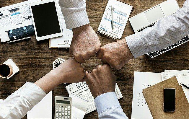 Photo of Mitarbeiter-Motivation verbessern – 5 Tipps und Tricks für ein motivierendes Arbeitsumfeld!
